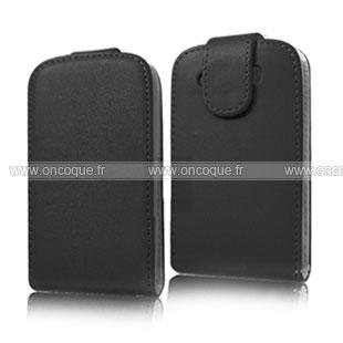 Coque blackberry bold 9900 etui en cuir housse noire for Housse blackberry curve