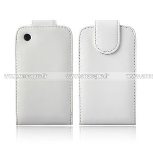 Coque blackberry curve 8520 etui en cuir housse blanche for Housse blackberry curve