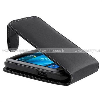 Coque blackberry torch 9800 etui en cuir housse noire for Housse blackberry curve