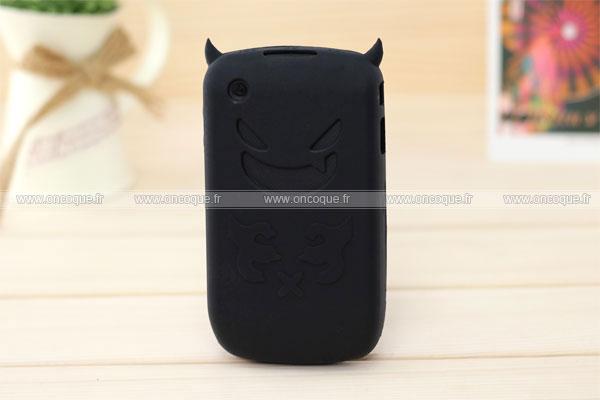 Coque blackberry curve 8520 demon silicone housse gel noire for Housse pour blackberry curve