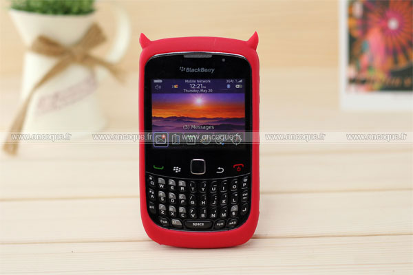 Coque blackberry curve 8520 demon silicone housse gel rouge for Housse blackberry curve