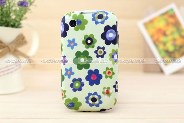 Coque blackberry curve 8520 fleurs silicone gel housse verte for Housse blackberry curve