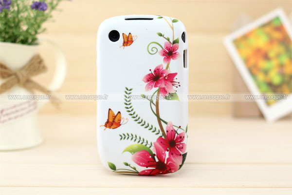 Coque blackberry curve 8520 papillon silicone housse gel for Housse blackberry curve 9300