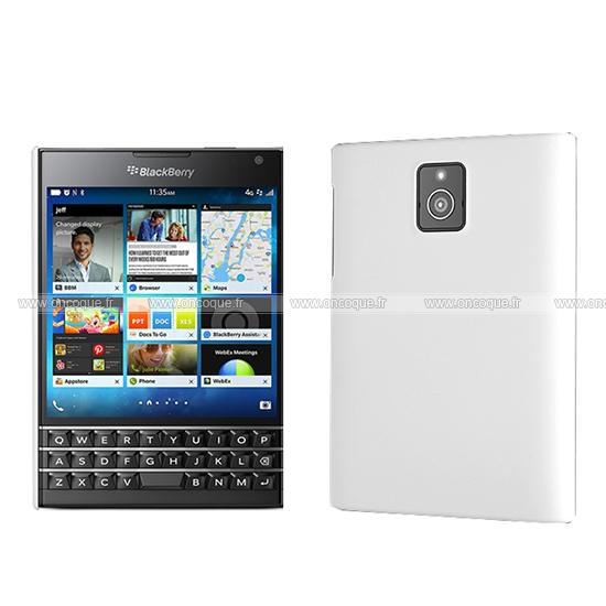 coque blackberry passport q30 plastique etui rigide blanche